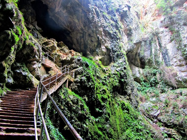 Friouato Caves